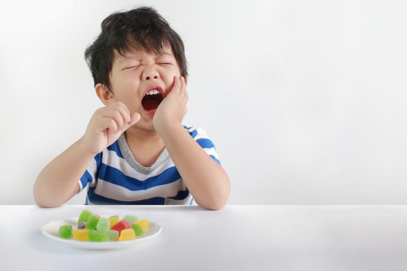 Cauzele apariției cariilor la copii